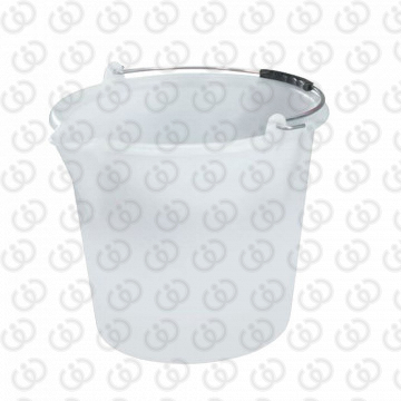 Bucket with spout 12L